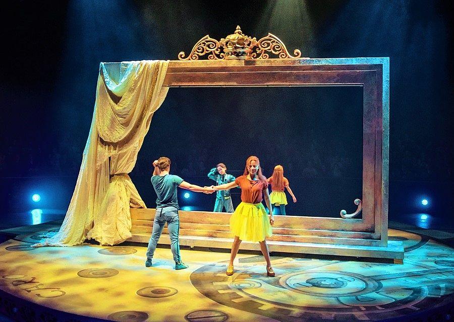 Theatershow CARO in het Efteling Theater