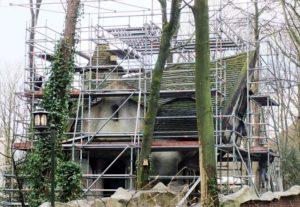 Het huis van de oma van Roodkapje in de Efteling wordt gerenoveerd - Foto: © Adri van Esch