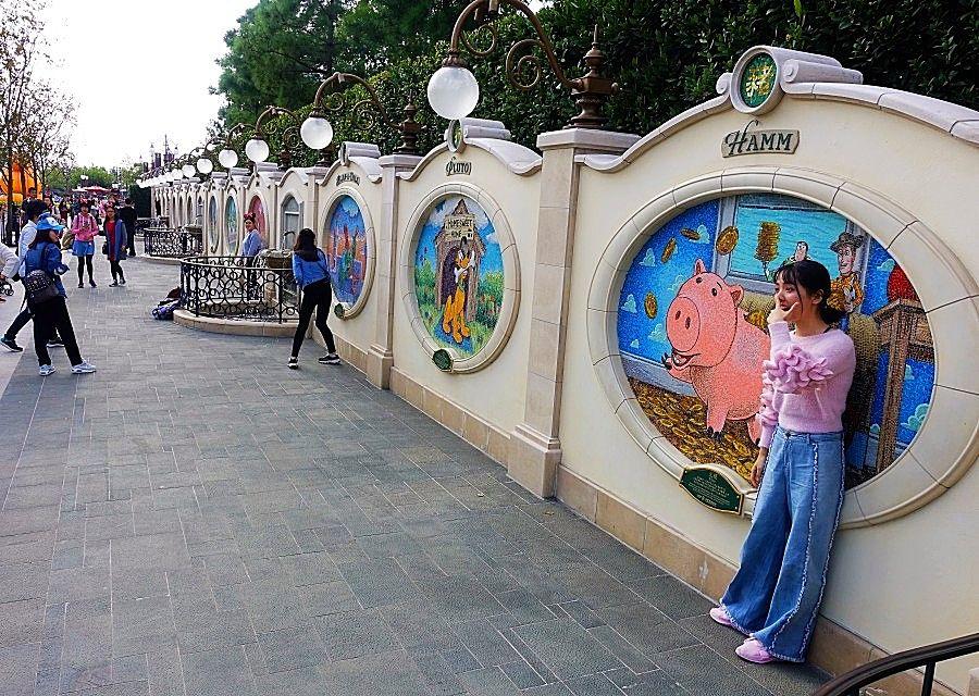 Garden of the Twelve Friends in Shanghai Disneyland - Foto: © Adri van Esch