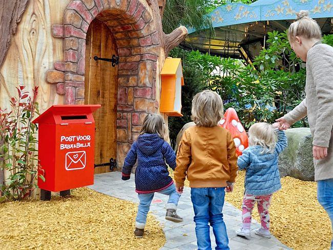 De Berenboom van Baba en Bella in Avonturenpark Hellendoorn heeft een pratende brievenbus