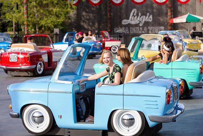 Luigi's Rollickin' Roadsters in Disney California Adventure - Foto: © Tekst: Disney / Paul Hiffmeyer