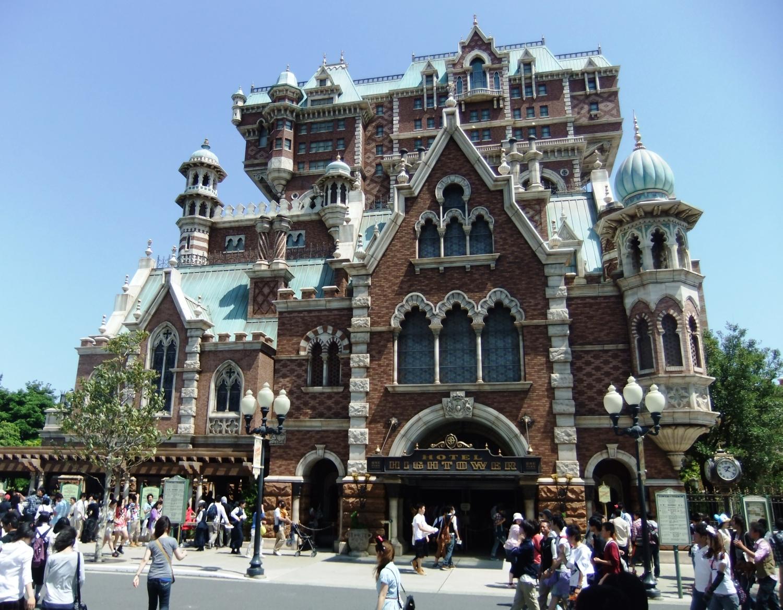 De Tower of Terror in Tokyo DisneySea - Foto: (c) Adri van Esch, Parkplanet