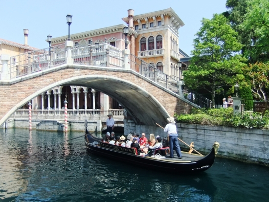 Venetiaanse kanalen in Mediterranean Harbor in Tokyo DisneySea - Foto: (c) Parkplanet