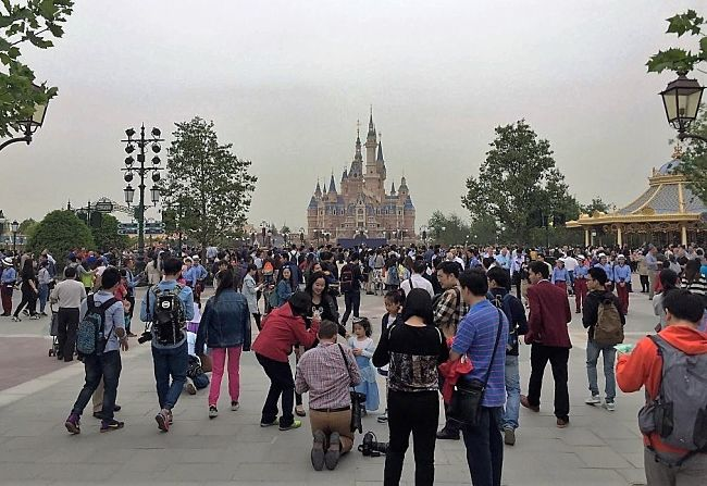 Soft opening Shanghai Disneyland - Foto: Twitter