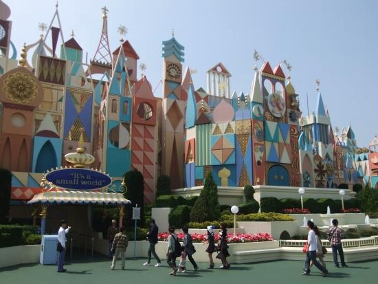 De Japanse It's a Small World - Foto: (c) Parkplanet