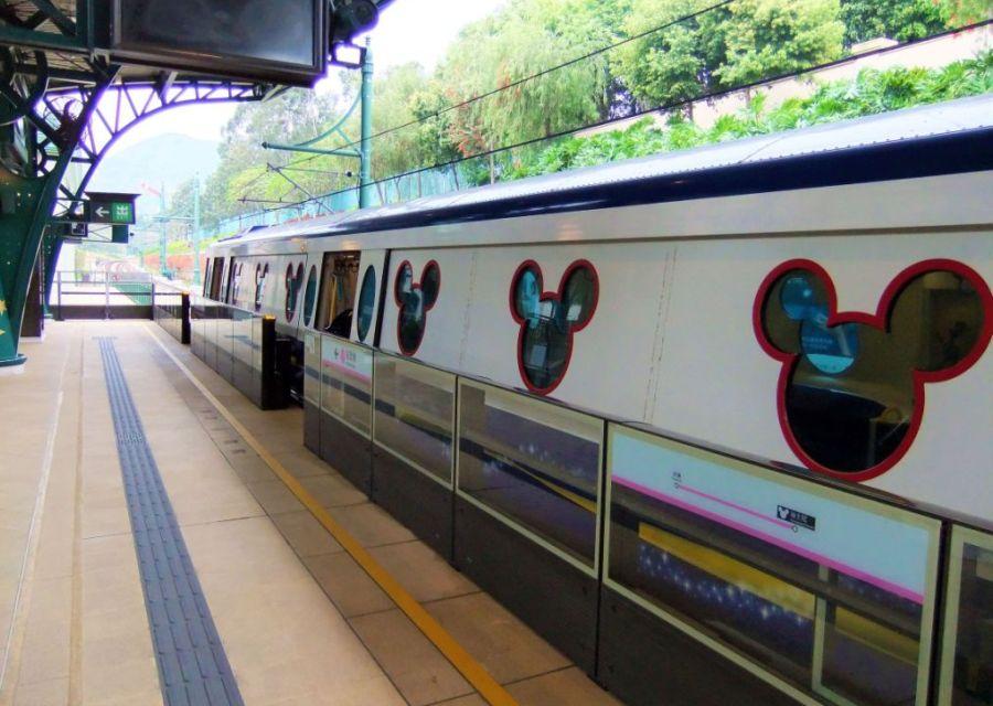 De metrotrein naar Hong Kong Disneyland - Foto: © Adri van Esch