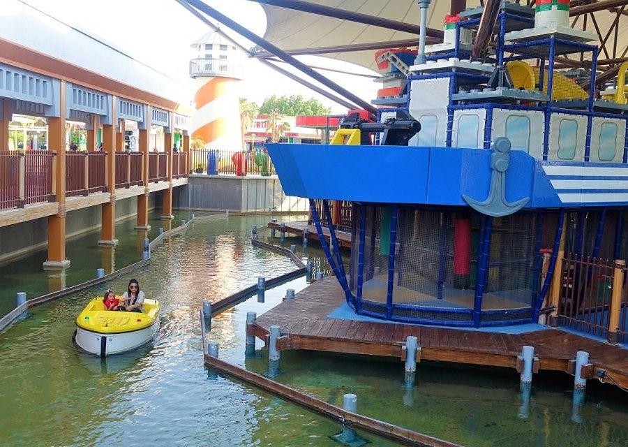 Boating School in Legoland Dubai - Foto: © Adri van Esch