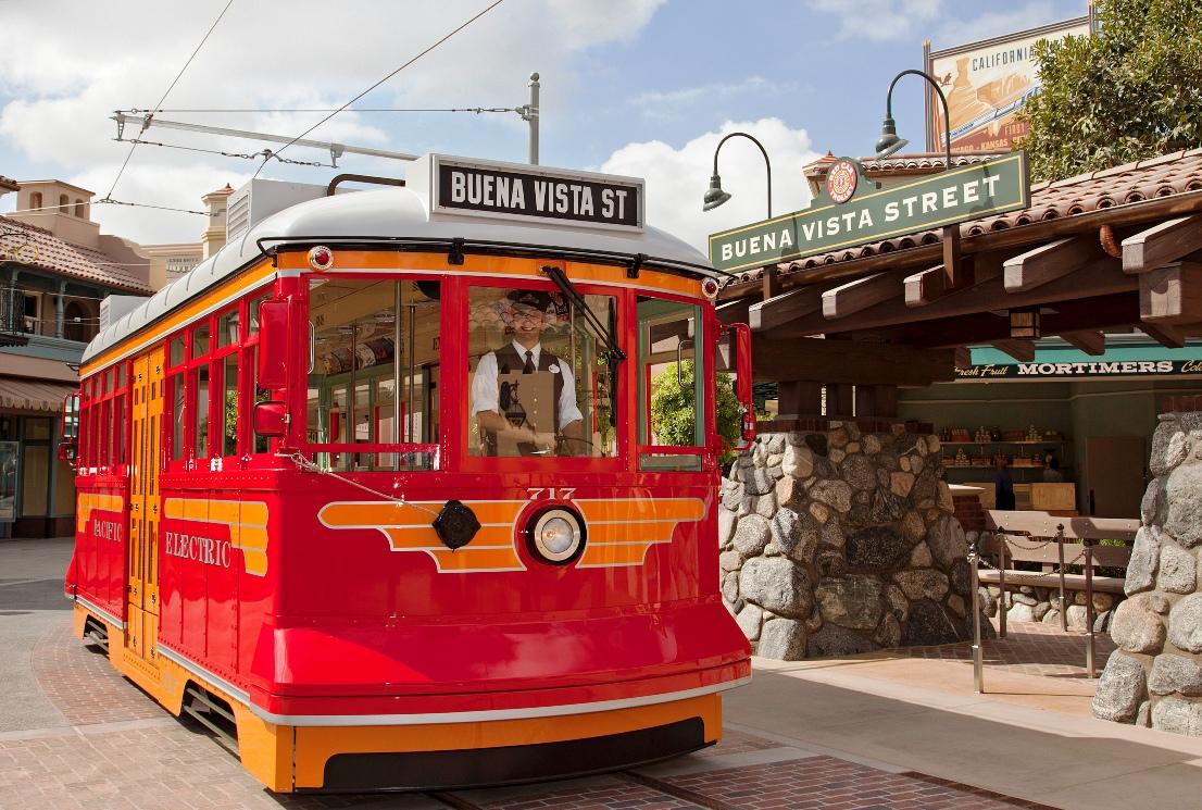 Red Trolley in Disney California Adventure - Foto: © Disney