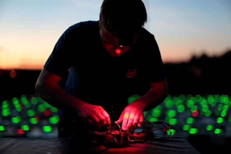Verlichte drones van Intel - Foto: © Intel