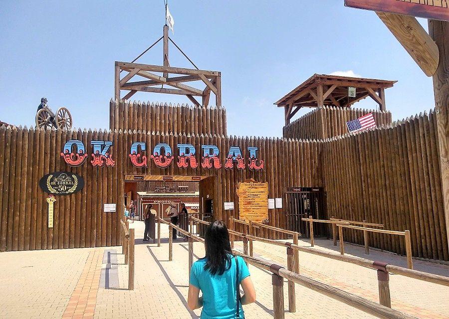 De ingang van OK Corral - Foto: Martin Lewison (Flickr)