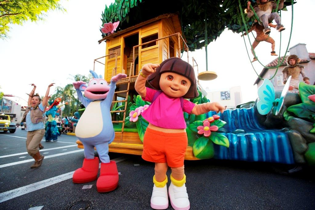 USF Superstar Parade Dora 15pers