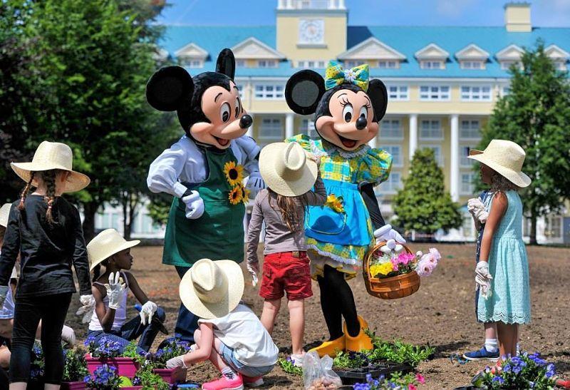 Mickey en Minnie vieren het Dutch Flower Garden Festival in Disneyland Paris - Foto: © Disney