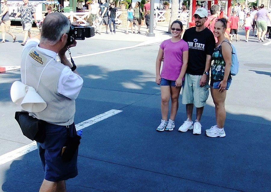Photopass-fotograaf in Disney's Hollywood Studios - Foto: © Adri van Esch