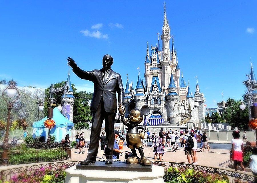 Standbeeld 'Partners' (Walt Disney en Mickey Mouse) in het Magic Kingdom in Walt Disney World - Foto: © Adri van Esch