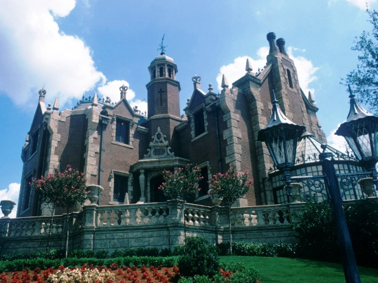 wdw mk haunted mansion ext 11pers