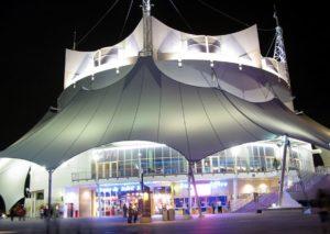 Cirque du Soleil in Disney Springs in Walt Disney World - Foto: frankieleon (Flickr c.c.)