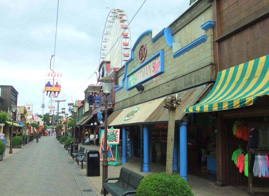 Main Street in Attractiepark Slagharen - Foto: (c) Adri van Esch
