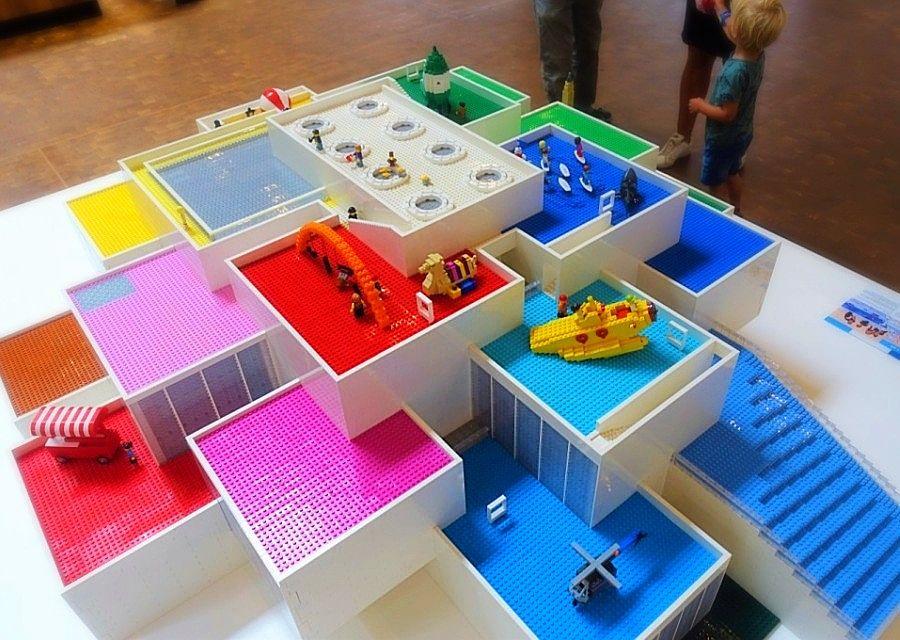 Het Lego House in Billund in Lego - Foto: © Adri van Esch