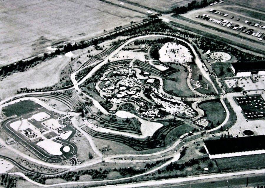 Luchtfoto van Legoland Billund in 1968