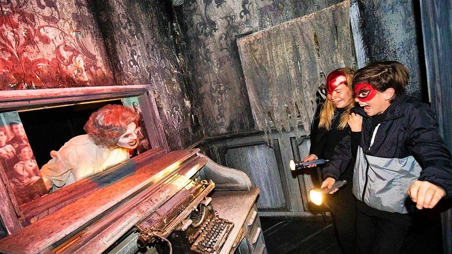 Spooky Manor bij Halloween in Walibi Holland