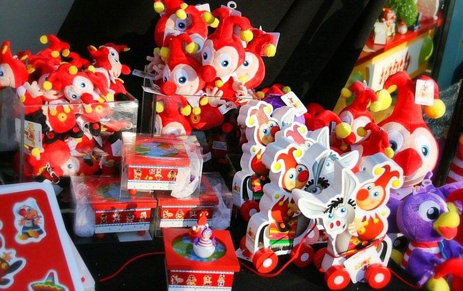Jokie en Jet-souvenirs van Carnaval Festival in de Efteling - Foto: © Adri van Esch