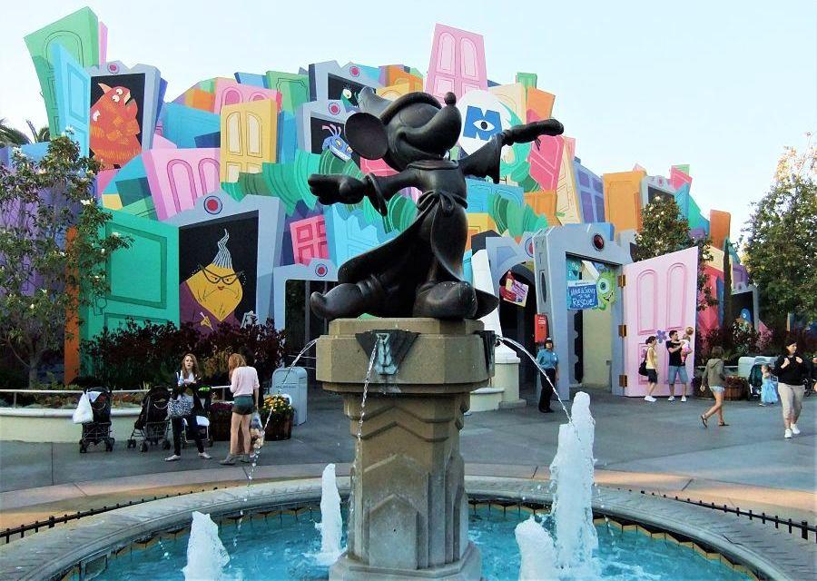 Mickey Mouse en Monsters Inc. in Disney California Adventure - Foto: © Adri van Esch