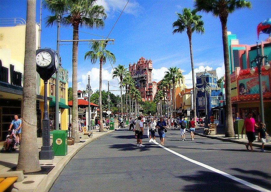 Sunset Boulevard en de Hollywood Tower of Terror in Disney's Hollywood Studios - Foto: © Adri van Esch