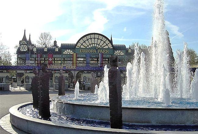 De ingang van Europa-Park - Foto: © Adri van Esch