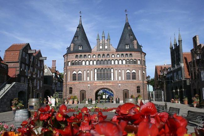 De ingang van Hansa-Park: de Holstentor