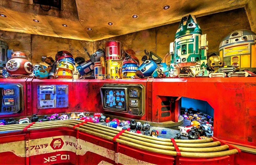 Shop Droid Depot in Star Wars: Galaxy's Edge - Foto: © Disney / Joshua Sudock