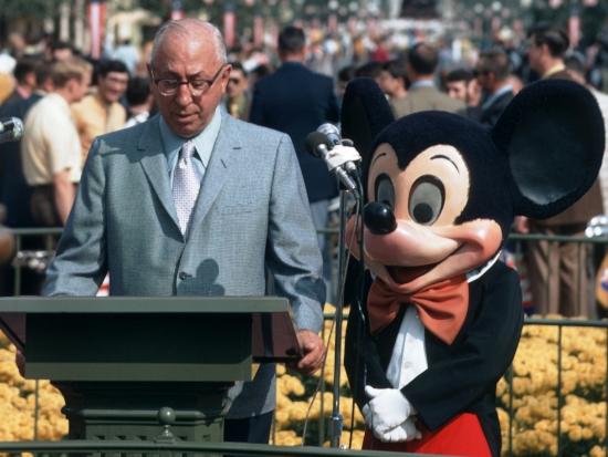 Roy Disney en Mickey Mouse openen het Magic Kingdom op 1 oktober 1971 - Foto: ©  Disney