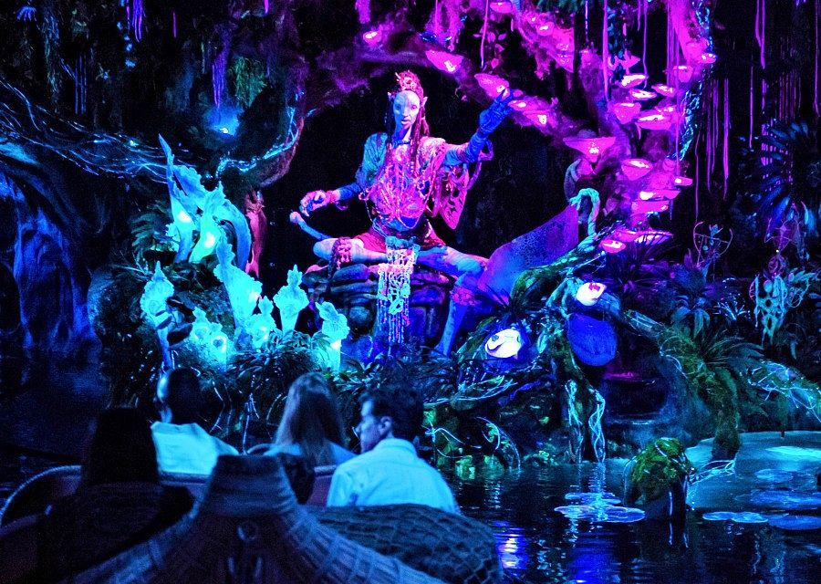 Na'vi Shaman in Na'vi River Journey in Disney's Animal Kingdom - Foto: © Disney, Steven Diaz