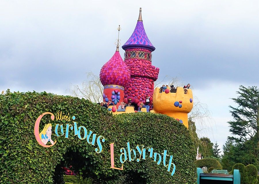 Alice's Curious Labyrinth in Fantasyland in Disneyland Paris – Foto: © Adri van Esch