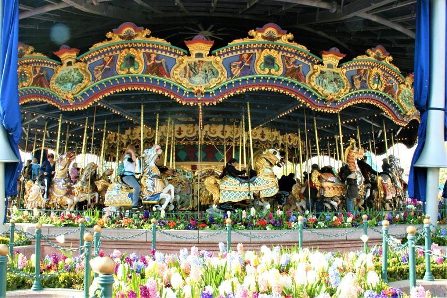 Le Carrousel de Lancelot in Fantasyland in Disneyland Paris – Foto: © Adri van Esch