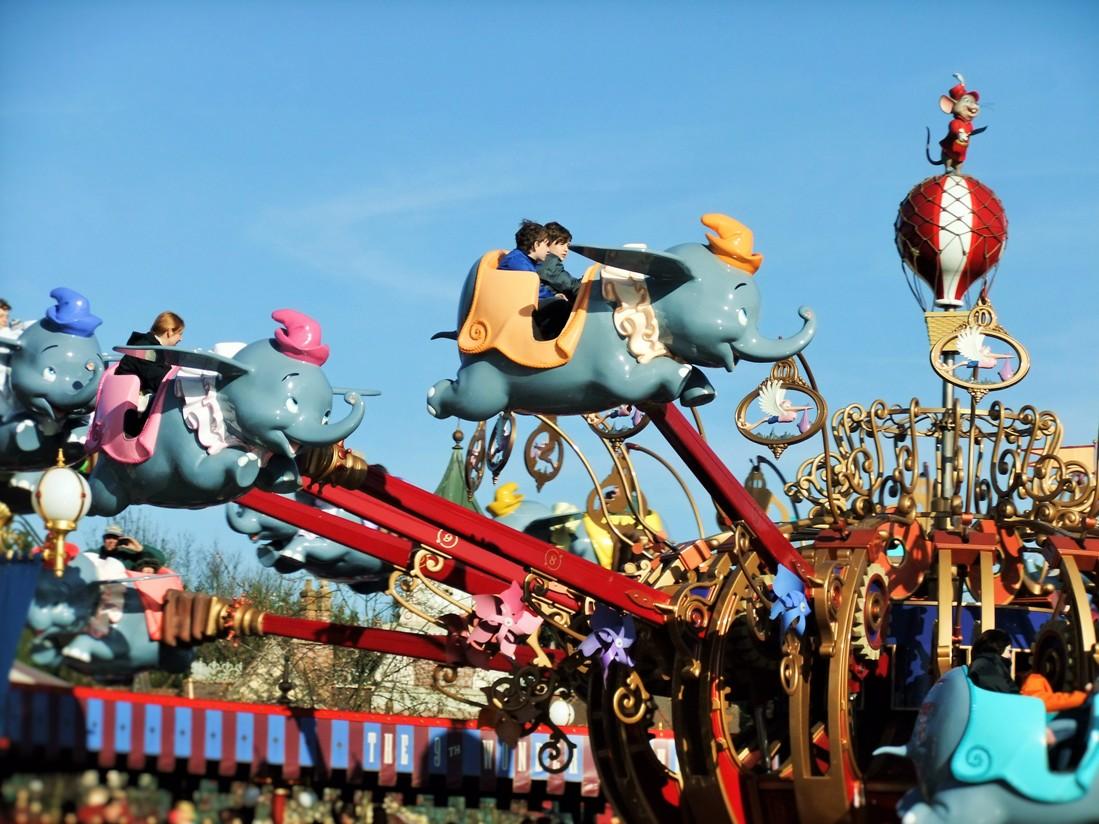 Dumbo the Flying Elephant in Fantasyland in Disneyland Paris – Foto: © Adri van Esch