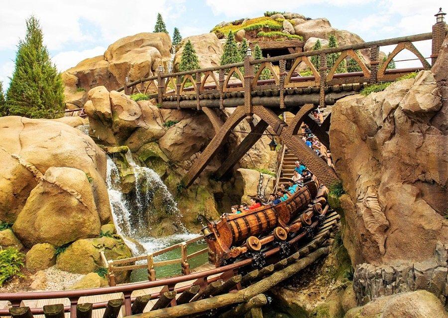 Seven Dwarfs Mine Train in Magic Kingdom in Walt Disney World - Foto: Matt Stroshane / Disney