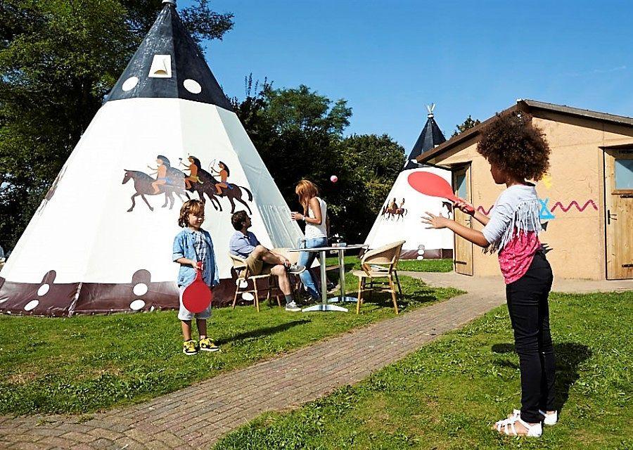 Wigwam DeLuxe in Vakantiepark Slagharen