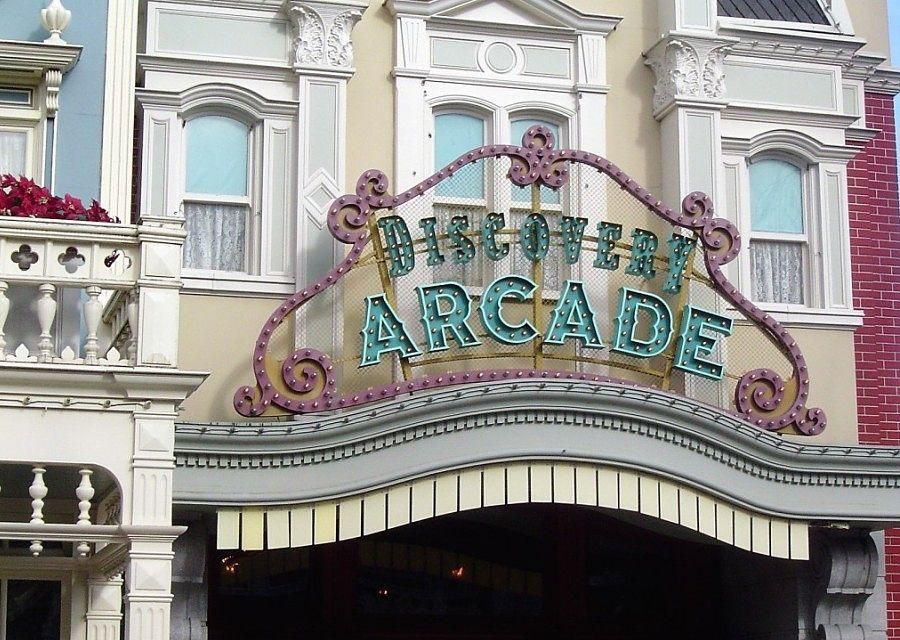 Discovery Arcade in Main Street in Disneyland Paris - Foto: © Adri van Esch