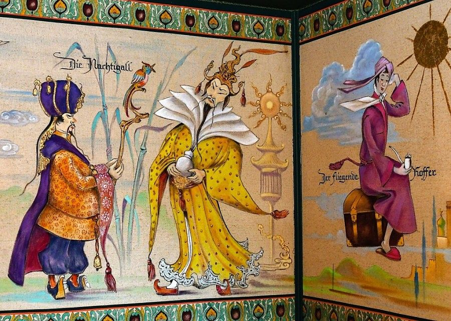 De Andersen-Stube met sprookjes van Andersen, in Europa-Park geschilderd door Ulrich Damrau
