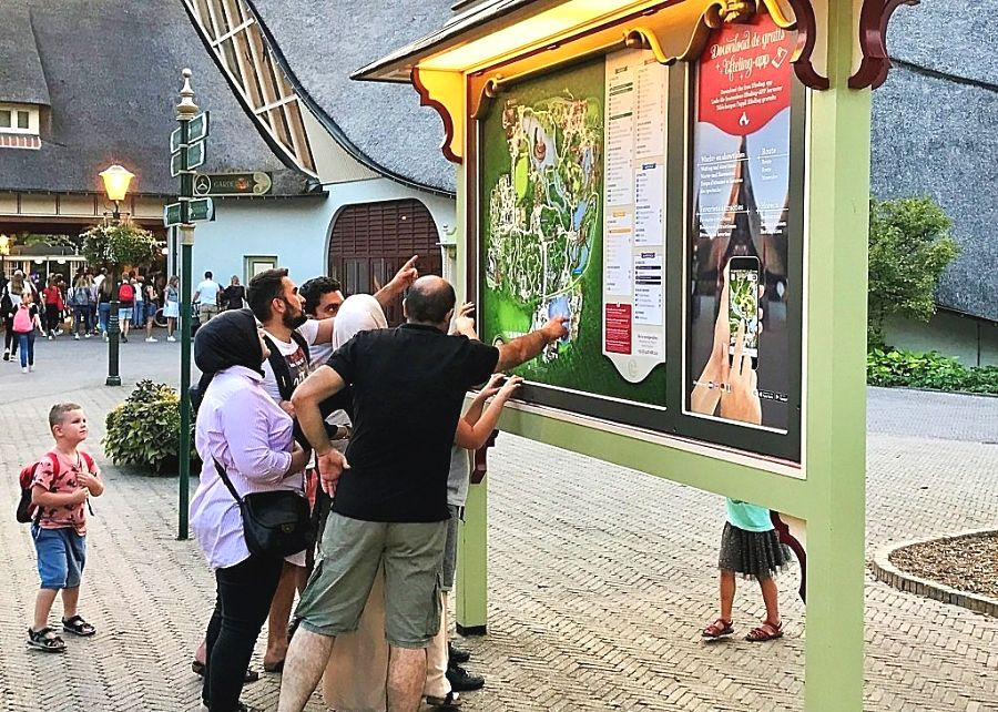 Plattegrond op het Dwarrelplein in de Efteling - Foto: © Adri van Esch