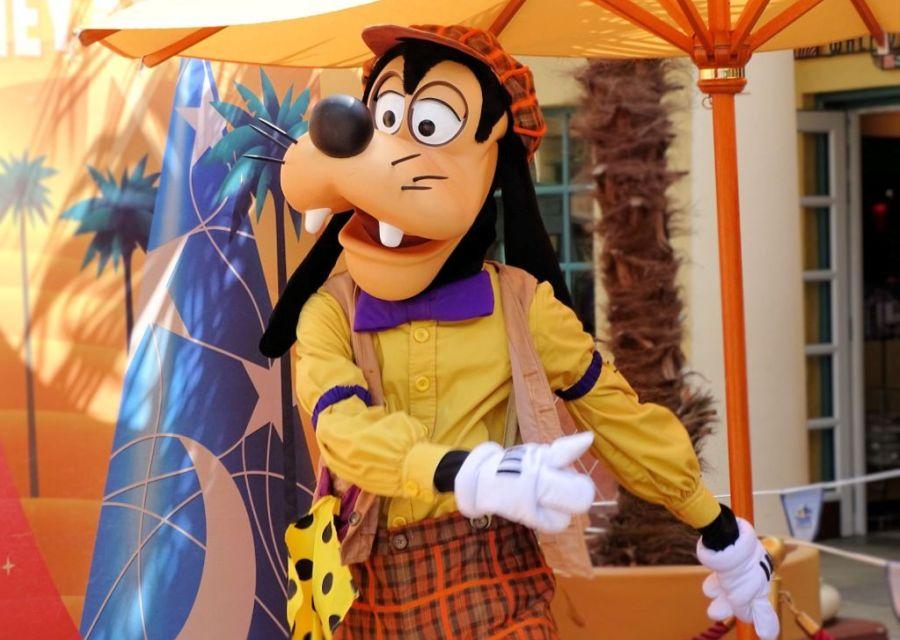 Goofy op de Front Lot in Walt Disney Studios Park - Foto: © Adri van Esch