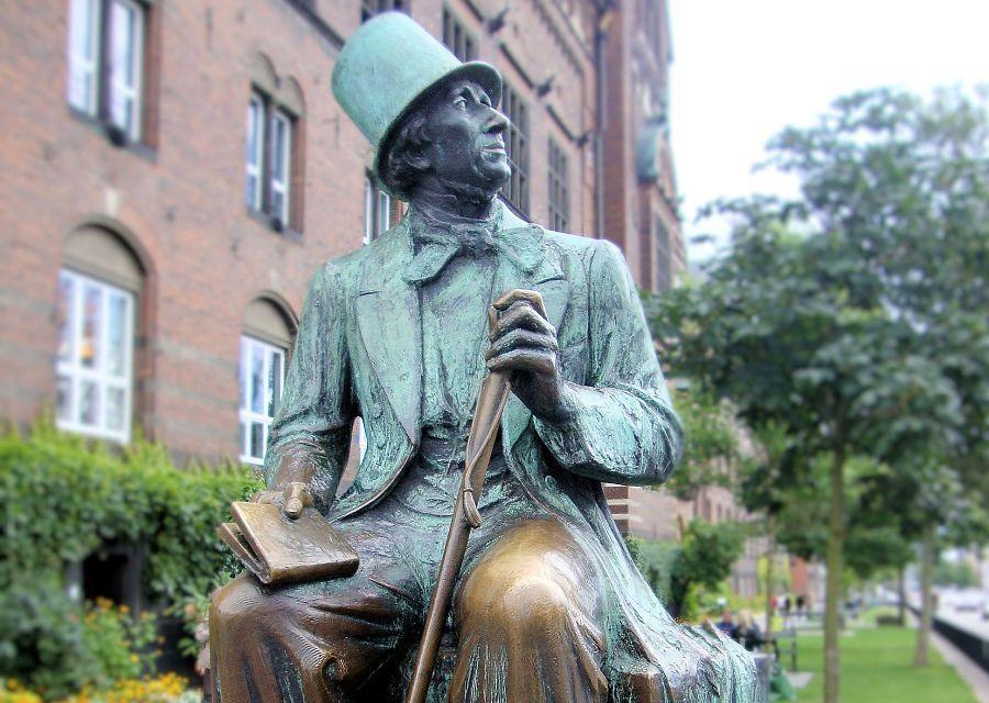 Standbeeld van Hans Christian Andersen in Kopenhagen - Foto: © Adri van Esch