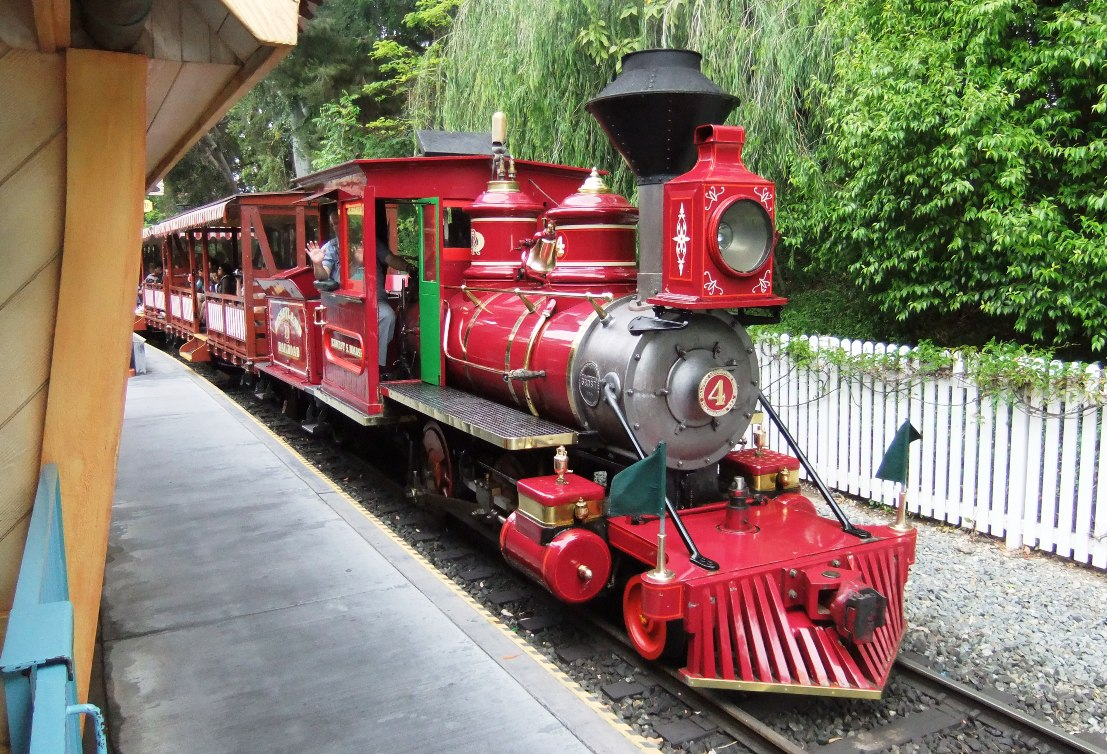 DLC Disneyland Railroad 10PP