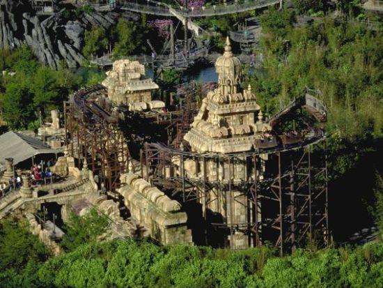 Achtbaan Indiana Jones vanuit de lucht - Foto: (c) Disney