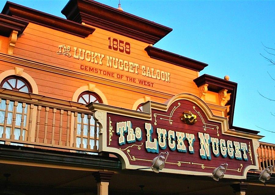 Lucky Nugget Saloon in Disneyland Paris - Foto: © Adri van Esch