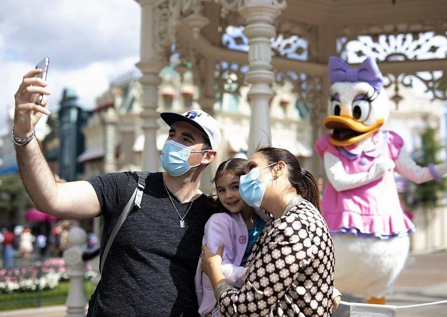 Selfie Point met Daisy Duck in Disneyland Paris - Foto: © Disney