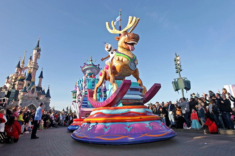 DLP Stars on Parade Frozen Sven Olaf 17pers