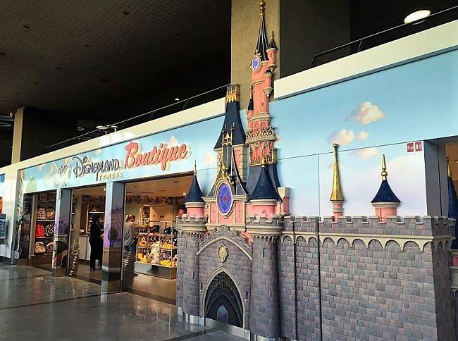 De Disneyland Paris Boutique op luchthaven Charles de Gaulle - Foto: © Disney