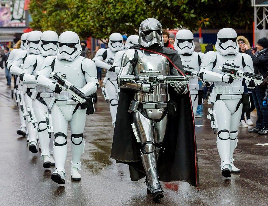 Star Wars, Stormtroopers Patrol in Walt Disney Studios - Foto: © Disney