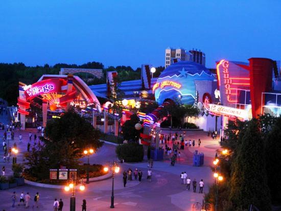 Disney Village - Foto: (c) Disney